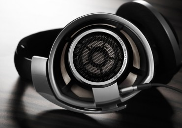 Headphones for professional studio use